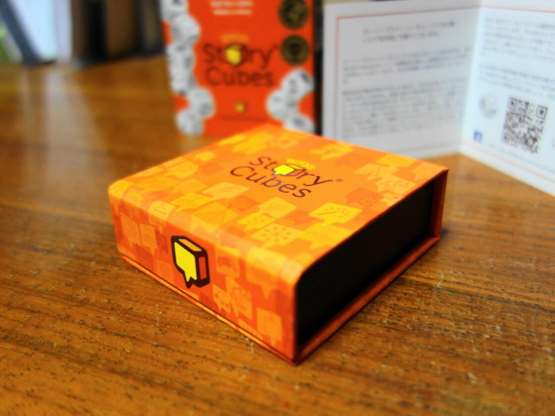 ローリーズストーリーキューブスの箱