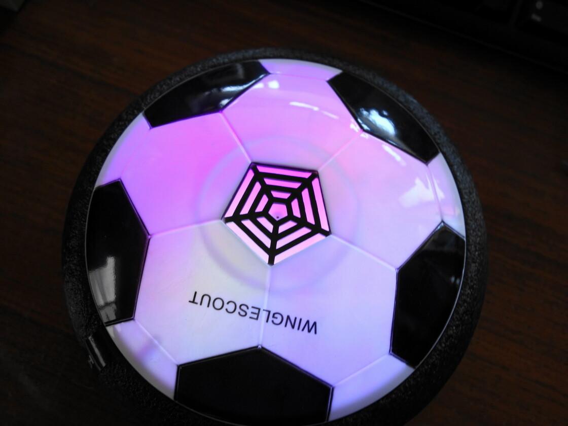 紫に光るエアーサッカー